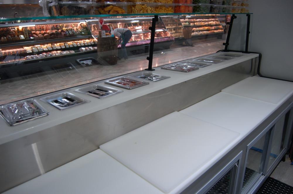 O2.5UM-display-case-photo-SUSHI 8