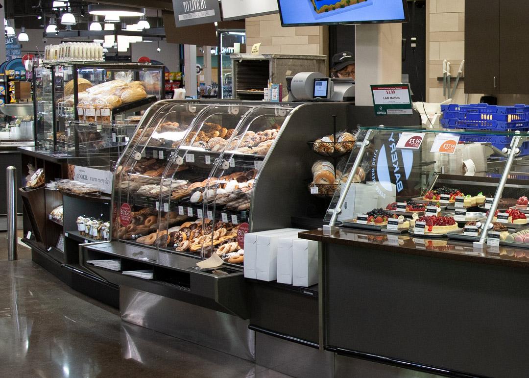 BLF-RB-display-case-photo-bakery-self-service-0952.jpg