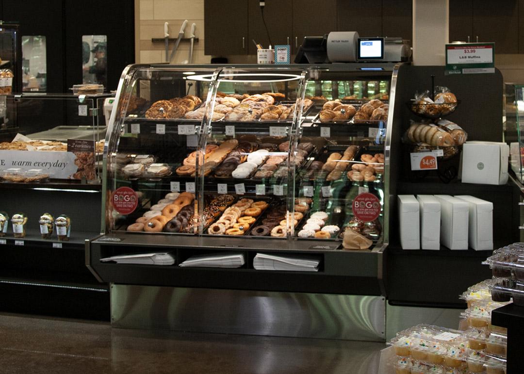 BLF-RB-display-case-photo-bakery-self-service-1032.jpg