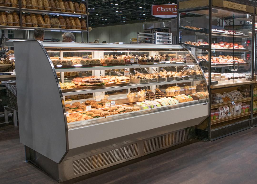 BMD-R-Bakery-display-case-photo-curved-glass-MCU-2163.jpg