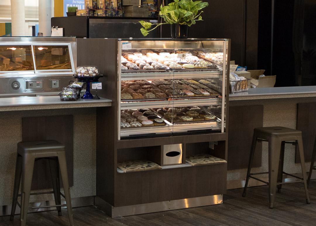 BWU-D-display-case-photo-bakery-1683.jpg