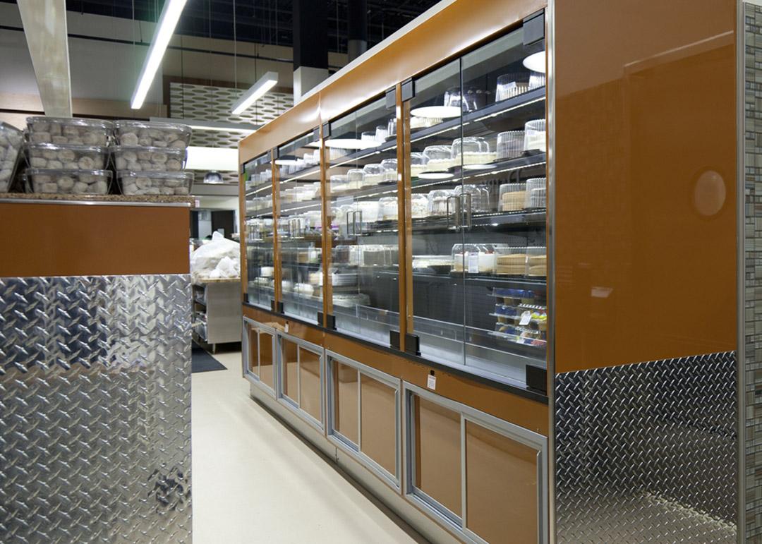 DB-R-display-case-photo-bakery-doors-8259