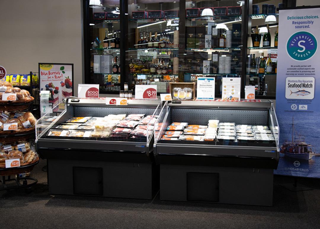 HSC-SC-display-case-photo-deli-meal kits-0873