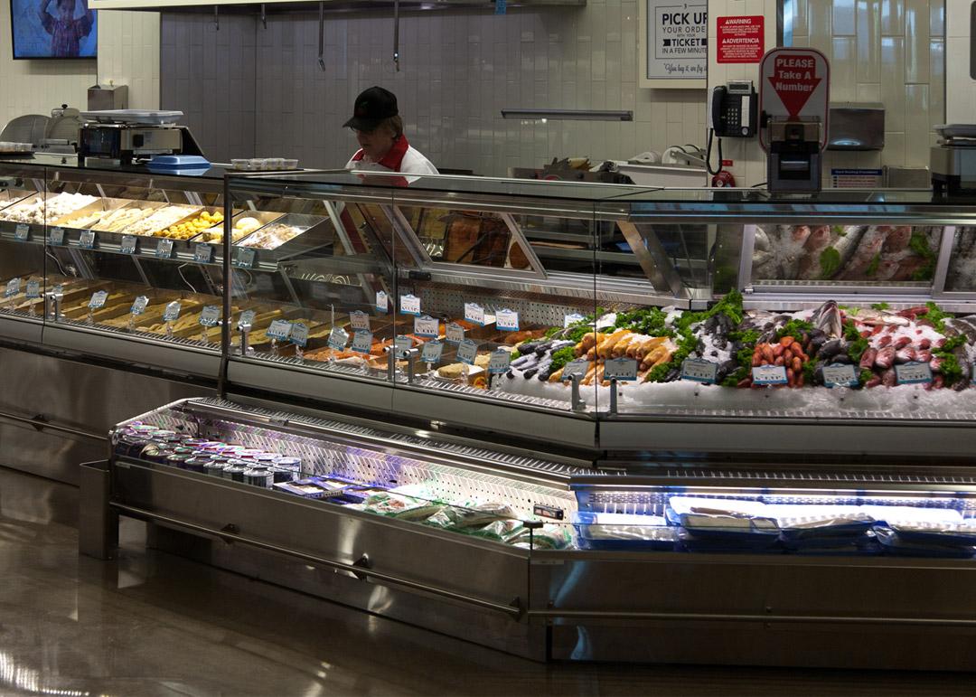 KFD-R-display-case-photo-seafood-GMD-5218
