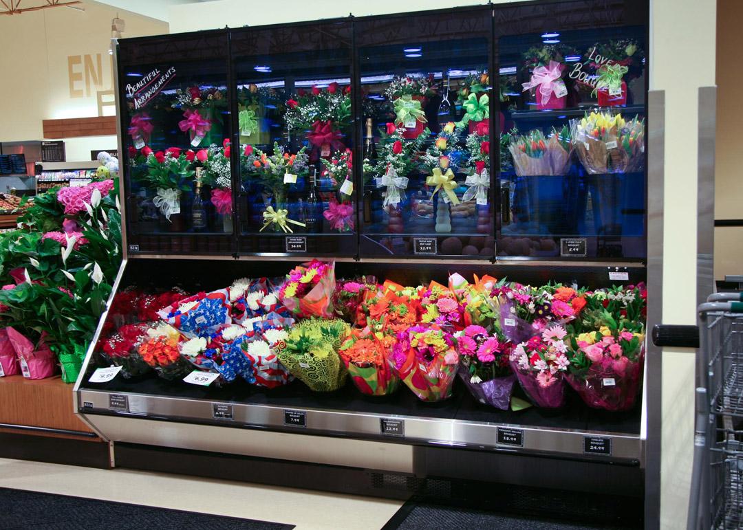NFT-R-display-case-photo-floral-9168